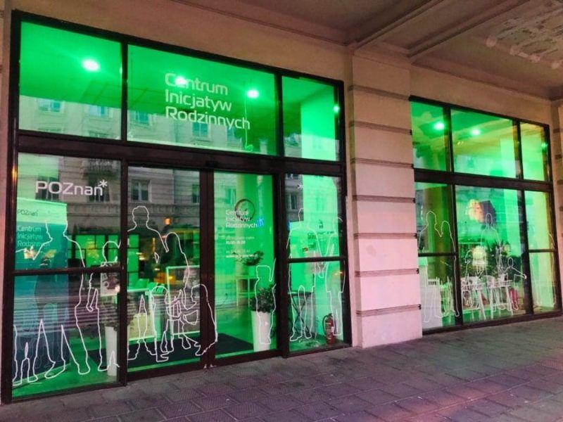 siedziba Centrum Inicjatyw rodzinnych podświetlona na zielono