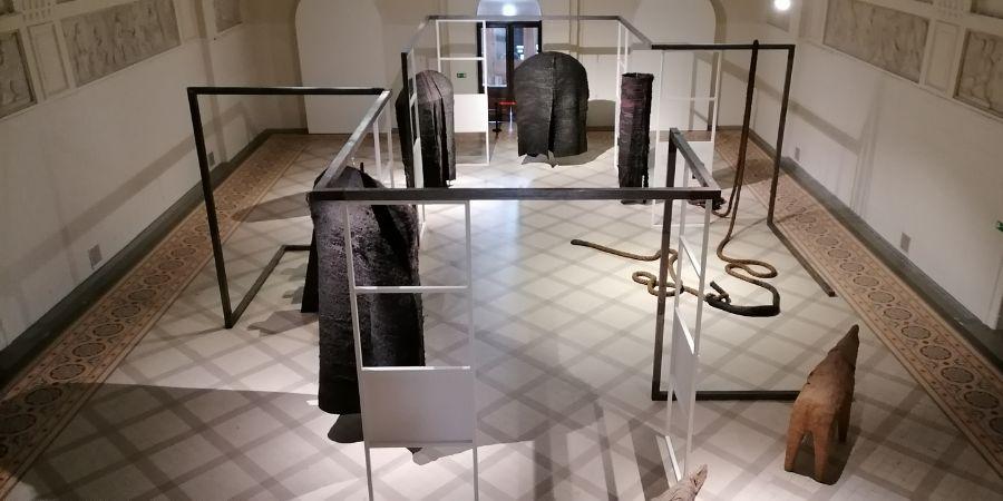 Zdjęcie pokazuje część wystawy Muzeum Narodowego w Poznaniu.
